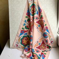 Татарский платок с орнаментом бледно-розовый