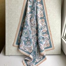 Татарский платок с орнаментом бежевый