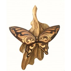 Картина-бабочка из дерева