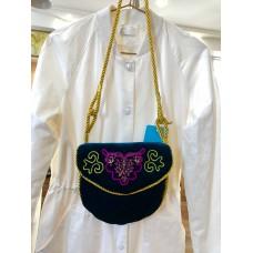 Сумка бархатная с татарской вышивкой зеленая