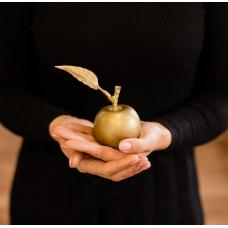 Яблоко чугунное